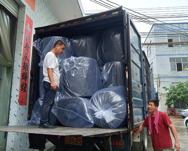 针刺无纺布工厂送货1