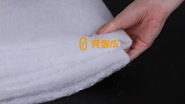 防霾材料空气过滤棉安装在口罩哪里?
