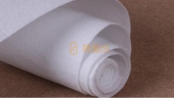 无纺布是什么材料做成的
