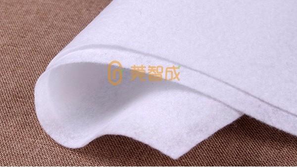 聚酯针刺无纺布-含水率太低易产生静电