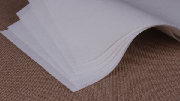 智成纤维涤纶针刺无纺布克重偏差优于行业均值