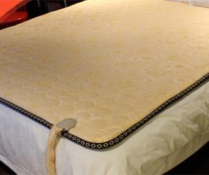 电热毯:使用环保水性胶水,安全无毒,导电效果好