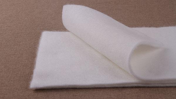 针刺无纺布在大棚保温被里的关键性