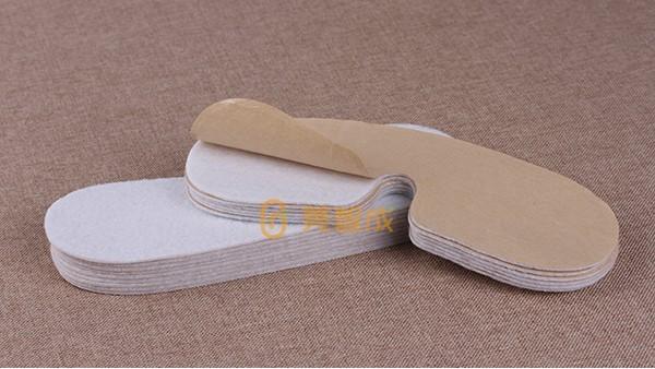 背胶针刺棉-干法涂层的工艺流程