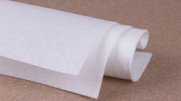 在制作涤纶针刺无纺布时需要准备哪些