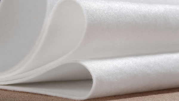 纺织之光-大连华纶双组分纺粘水刺非织造开发结硕果